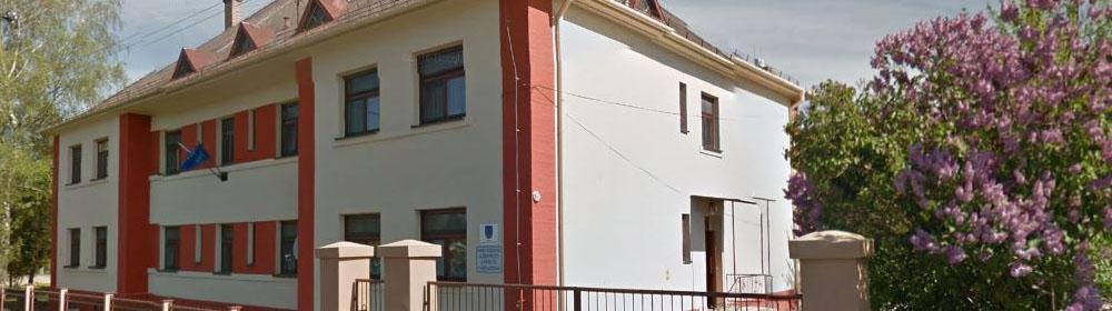 Domov sociálnych služieb pre deti a dospelých v Medveďove - hlavná budova